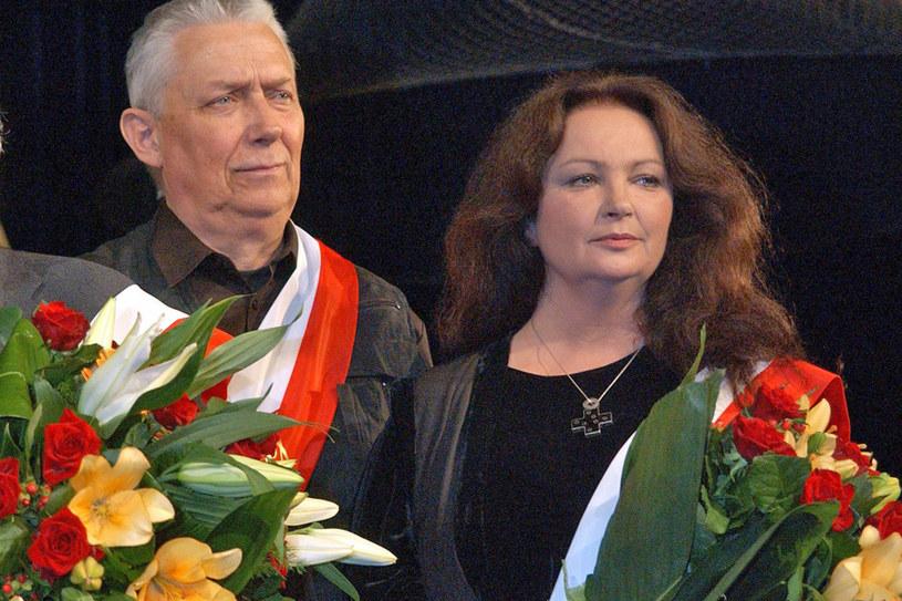 Robił coś takiego, że człowiek się nie załamywał. Pomagał nam wszystkim nabrać dystansu do świata, do problemów. Będzie go brakowało - powiedziała Anna Dymna o zmarłym w środę, 15 marca, Wojciechu Młynarskim.