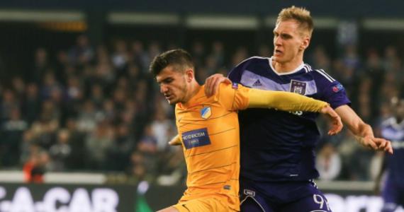 RSC Anderlecht, z Łukaszem Teodorczykiem w składzie, po raz drugi pokonał APOEL Nikozja 1:0 i awansował do ćwierćfinału piłkarskiej Ligi Europejskiej. Dalej zagrają także m.in. Manchester United, Ajax Amsterdam i Olympique Lyon, który wyeliminował Romę.