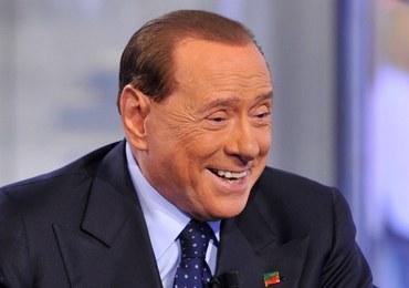 Kobieta zje obiad z Berlusconim. Ten posiłek będzie ją sporo kosztować