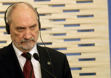 Wypadek z udziałem szefa MON: Nie będzie śledztwa ws. przekroczenia uprawnień przez Macierewicza