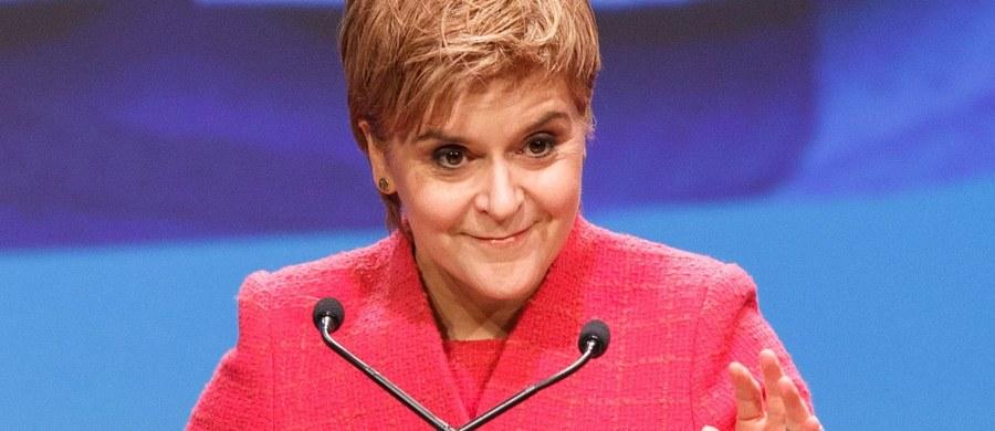 Premier Szkocji Nicola Sturgeon rzuca wyzwanie szefowej brytyjskiego rządu. W odpowiedzi na uwagę premier Theresy May, że nie czas na referendum niepodległościowe w Szkocji, odpowiada: Referendum się odbędzie.
