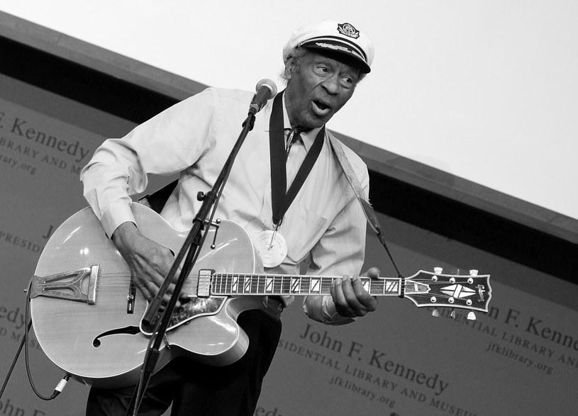 Uznawany za jednego z największych pionierów rock'n'rolla Chuck Berry zmarł 18 marca w swoim domu w St. Charles County. Muzyk miał 90 lat.