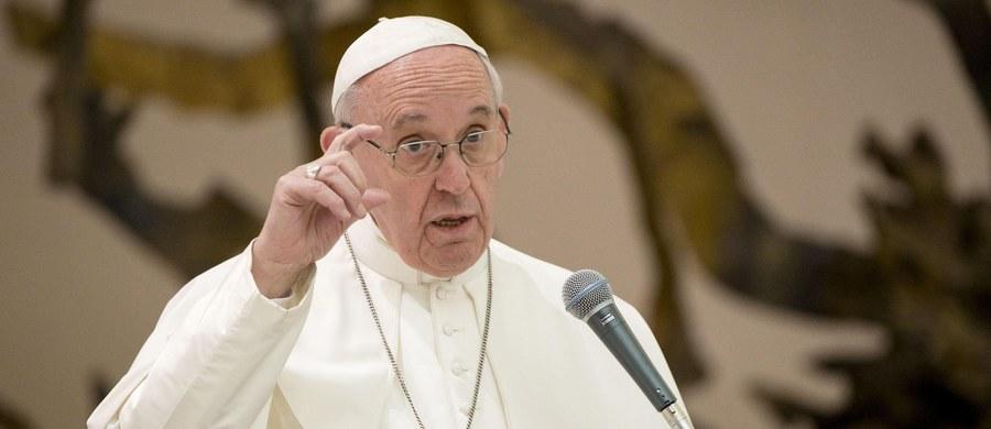 Zakonnice z klasztoru w Rzymie czekały na księdza, który poprowadzi rekolekcje wielkopostne, tymczasem przyszedł do nich papież Franciszek. Wydarzenie to miało miejsce przed kilkoma dniami, ale zostało ujawnione dopiero w niedzielę przez siostry zakonne.