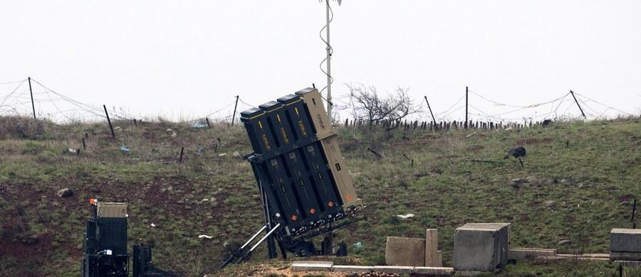Minister obrony Izraela Awigdor Lieberman zagroził Damaszkowi zniszczeniem jego obrony przeciwlotniczej, jeśli powtórzy się atak na izraelskie lotnictwo. W piątek Syryjczycy wystrzelili rakietę przeciwko samolotom Izraela prowadzącym bombardowanie na ich terytorium.