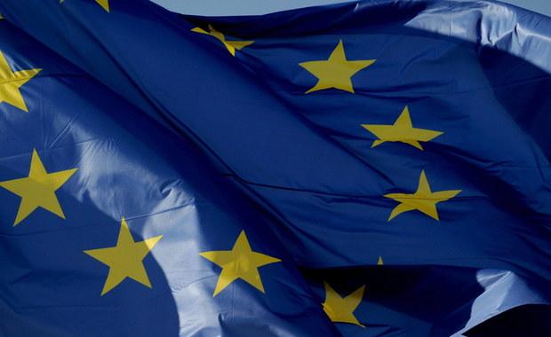 Negocjatorzy państw UE wstępnie uzgodnili tekst Deklaracji Rzymskiej, która zostanie podpisana w sobotę na uroczystym szczycie w stolicy Włoch – poinformowały źródła dyplomatyczne. Dokument akcentuje jedność, a zapis o wielu prędkościach osłabiono.