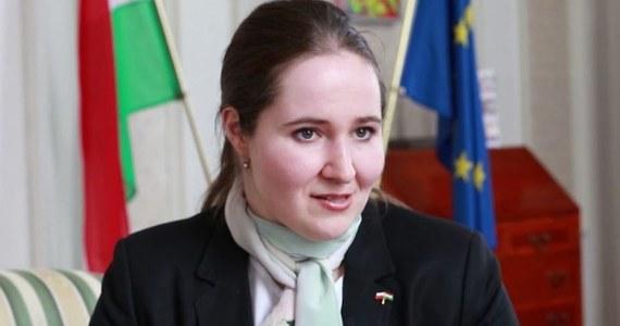 """""""Nie uważam, by można było mówić o osłabieniu przyjaźni polsko-węgierskiej"""" - mówiła w rozmowie z dziennikarzem RMF FM Pawłem Balinowskim Orsolya Zsuzsanna Kovács - ambasador Węgier w Polsce. W obchodzonym 23 marca dniu przyjaźni między dwoma krajami pytaliśmy m.in. o współpracę, rozwój Unii Europejskiej, rolę Grupy Wyszehradzkiej i Europę wielu prędkości."""