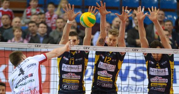 Włoski zespół Azimut Modena pokonał u siebię Asseco Resovię Rzeszów 3:1 (25:23, 20:25, 25:23, 25:23 ) w drugim meczu 1. rundy play off Ligi Mistrzów siatkarzy. Do kolejnego etapu play off awansowali siatkarze Modeny, którzy w Polsce wygrali 3:2.