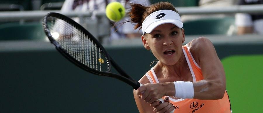 Agnieszka Radwańska wygrała z chińską tenisistką Qiang Wang 7:6 (7-3), 6:1 w drugiej rundzie turnieju WTA Premier na kortach twardych w Miami. Kolejną rywalką Polki będzie Chorwatka Mirjana Lucic-Baroni.