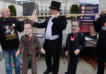 """Frankowicze protestowali w Warszawie. """"Bankster-złodziej"""""""