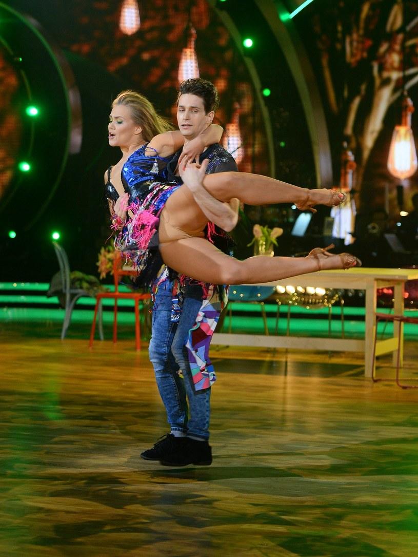 """Czwarty odcinek nowej edycji """"Dancing with the Stars. Tańca z Gwiazdami"""" przyciągnął przed ekrany telewizorów ponad 2,6 mln Polaków. Niemal identyczną oglądalność show miało tydzień wcześniej."""