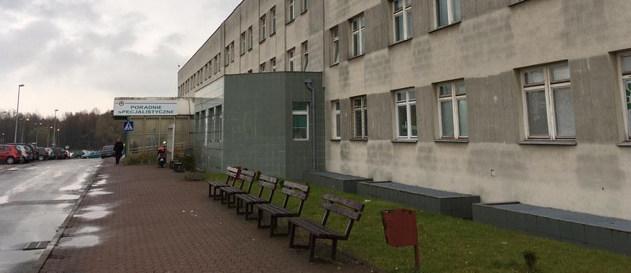 Nikt nie przyczynił się do śmierci dziecka kobiety, która pozostawiona bez opieki rodziła na podłodze jednej z sal szpitala w Starachowicach - podała prokuratura. Według śledczych, z protokołu sekcji zwłok wynika, że dziecko zmarło, zanim kobieta zgłosiła się do szpitala.
