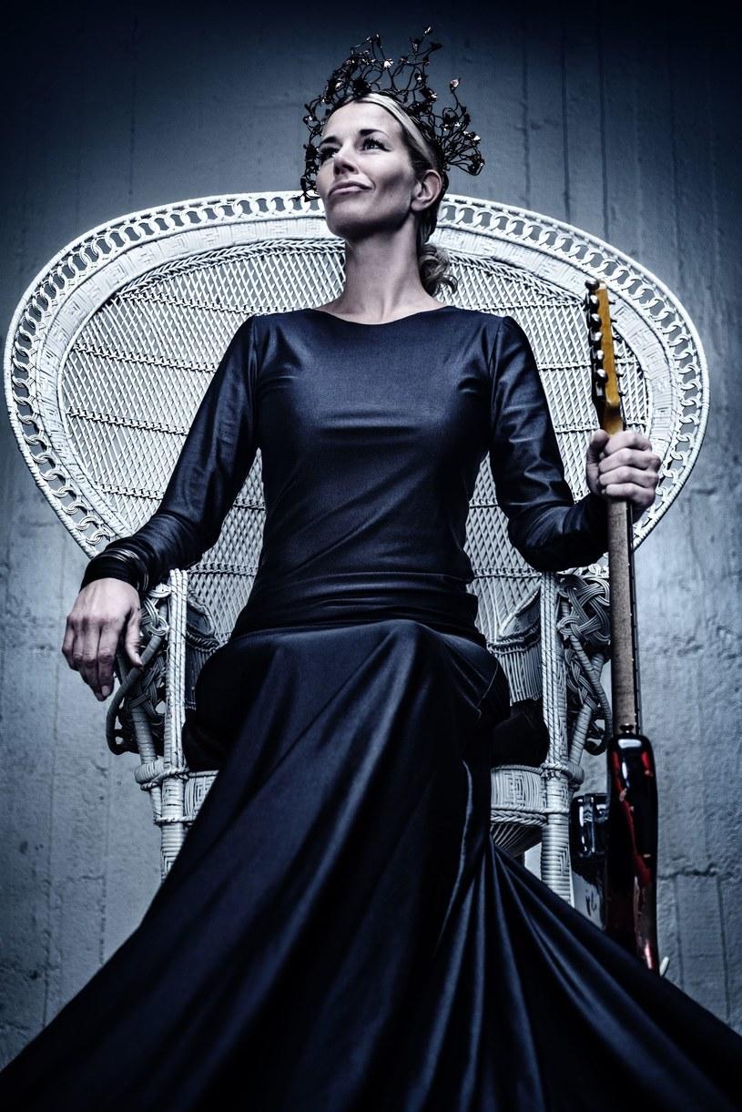 """""""Into The Fire / Into The Storm"""" - to pierwsza kompozycja z nowej płyty, którą szwedzka grupy Avatarium postanowiła podzielić się z fanami."""