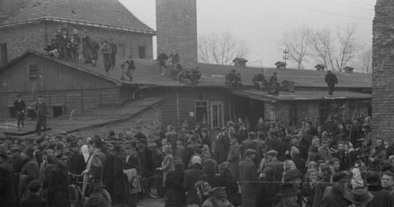 70 lat temu, 2 kwietnia 1947 roku Najwyższy Trybunał Narodowy w Warszawie skazał na karę śmierci Rudolfa Hoessa – nazistowskiego zbrodniarza, komendanta niemieckiego obozu KL Auschwitz. Wyrok przez powieszenie wykonano w Oświęcimiu 16 kwietnia tego samego roku.