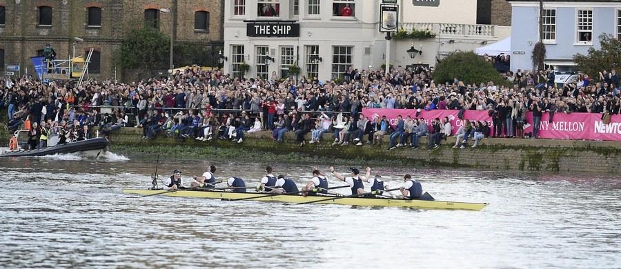 Ósemka Uniwersytetu Oxfordzkiego pokonała wioślarzy Cambridge w 163. edycji prestiżowego wyścigu na Tamizie w Londynie, odnosząc 80. zwycięstwo w historii. Z kolei w 72. regatach kobiet triumfowała osada Cambridge.