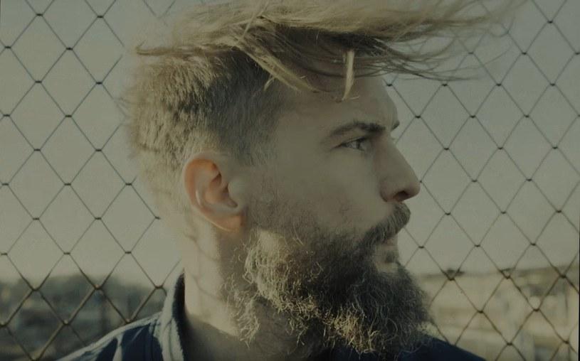"""Zespół Organek zaprezentował teledysk do singla """"Wiosna"""". Klip powstał z udziałem fanów, którzy w ramach specjalnej akcji przysłali swoje """"wiosenne"""" zdjęcia."""