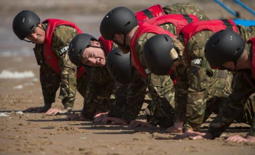 """Oficerowie jednostek specjalnych z całego świata, dwa kontynenty, blisko stu uczestników i zadania ponad ludzkie siły - tak najkrócej streścić można program """"Special Forces: Ultimate Hell Week"""", który od jesieni 2017 roku oglądać będą mogli widzowie TVP1."""