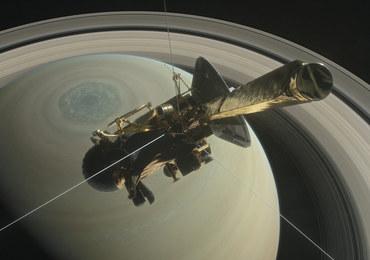 """""""Wielki Finał"""" misji Cassini. """"To coś więcej niż wielki upadek"""""""