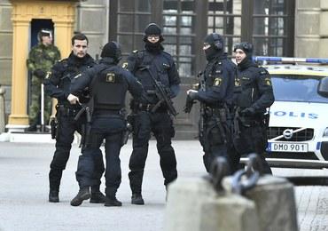 Zamach w Sztokholmie: Policja wciąż szuka kierowcy, który wjechał ciężarówką w tłum