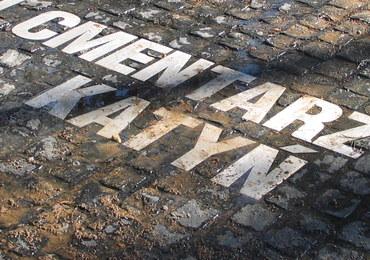 Polskie MSZ zaniepokojone rosyjskimi tablicami na cmentarzu w Katyniu