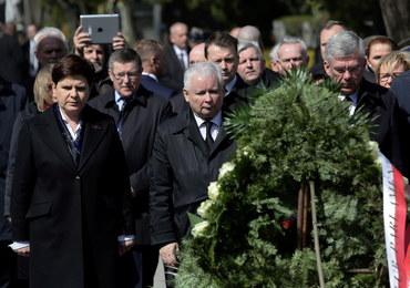 Prokuratura: Jarosław Kaczyński nie został znieważony na Wawelu