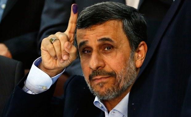 Pomimo zakazu najwyższego przywódcy duchowo-politycznego Iranu ajatollaha Sajeda Mohammada Alego Chameneia, były prezydent tego kraju Mahmud Ahmadineżad chce w maju ponownie ubiegać się o prezydenturę - poinformowały państwowe media.