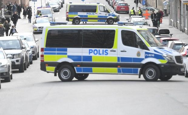 """Rozwiedziony ojciec czworga dzieci, który miał do czynienia z narkotykami i miał ograniczoną wiedzę na temat islamu – tak znajomi opisują 39-letniego Rakhmata Akilova, który przyznał się do przeprowadzenia ataku terrorystycznego w centrum Sztokholmu. """"Kiedyś nie wiedział nawet, jak odmawia się modlitwy"""" – powiedział w rozmowie ze szwedzką agencją TT znajomy Uzbeka, który razem z nim chodził do meczetu."""