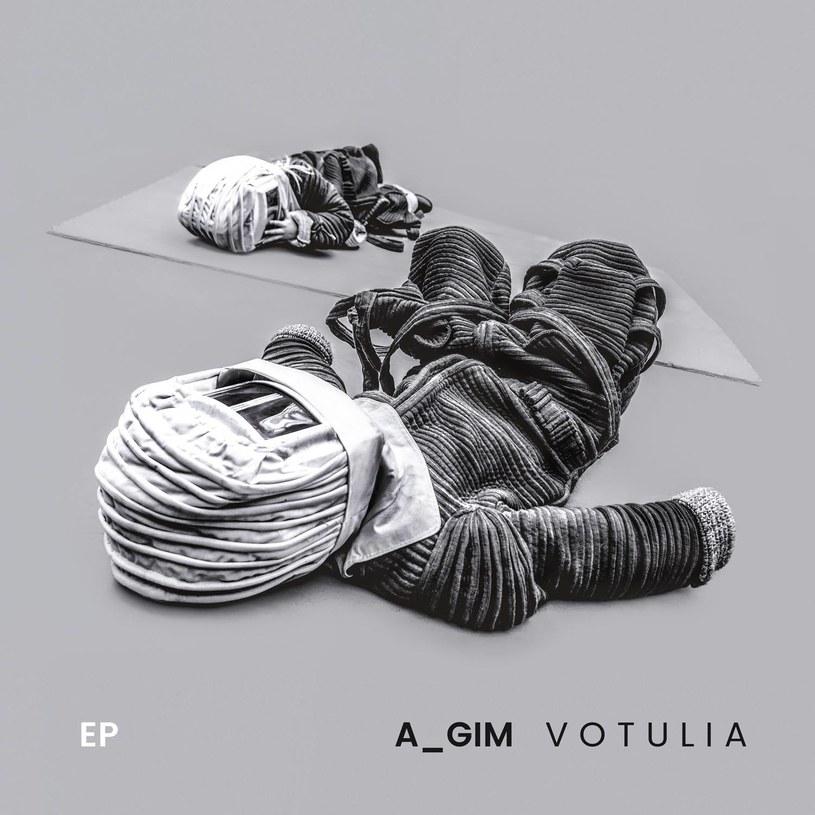 """Solowy album Agima - lidera Őszibarack i członka projektu NERVY - nie tylko potwierdza, że polska scena muzyki elektronicznej ma się świetnie. """"Votulia"""" pokazuje również, że młodzi wciąż powinni uczyć się od weteranów."""