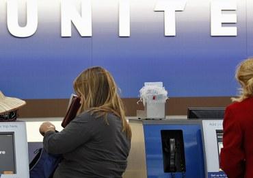 Skorpion ukąsił pasażera United Airlines. Spadł mu na głowę…