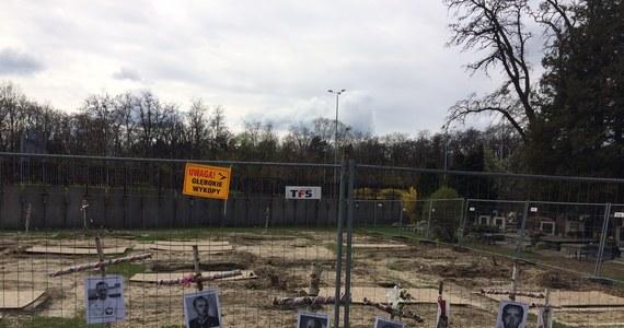 We wtorek ponownie historycy i archeolodzy pojawią się na Łączce na warszawskich Powązkach Wojskowych. Tym samym rozpocznie się ostatni etap poszukiwań szczątków ofiar zbrodni komunistycznych.