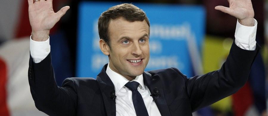 Dwaj domniemani islamscy terroryści schwytani dzisiaj w Marsylii mogli przygotowywać ataki na kandydatów startujących w wyborach prezydenckich we Francji. Ujawniają to nadsekwańskie media.