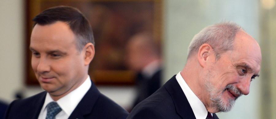 W internecie pojawił się nowy list, który prezydent Andrzej Duda wystosował do ministra obrony narodowej Antoniego Macierewicza. Prawdziwość pisma potwierdziła Kancelaria Prezydenta.