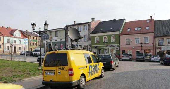 """Strzegom będzie w tym tygodniu """"Twoim Miastem w Faktach RMF FM"""". Tak zdecydowaliście, głosując na RMF24.pl. Dlatego już w sobotę na Dolnym Śląsku pojawi się wóz satelitarny RMF FM z naszym reporterem na pokładzie. W sobotę punktualnie od godziny 8:00 usłyszycie o atrakcjach i zabytkach Strzegomia."""