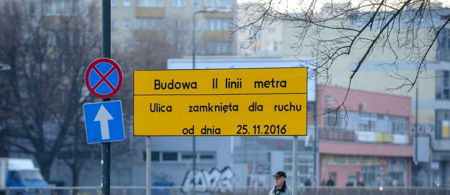 Budowa kluczowej stacji II linii warszawskiego metra wstrzymana. Chodzi o stację Księcia Janusza na Woli. Taką decyzje podjął Główny Inspektor Nadzoru Budowlanego.