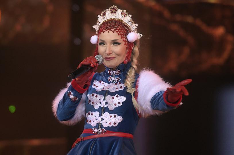 """Wielkie przeboje muzyki tanecznej zaśpiewają w najbliższym odcinku finaliści """"Idola"""". Gościem specjalnym będzie """"pierwsza Słowianka Rzeczpospolitej"""" - Cleo."""