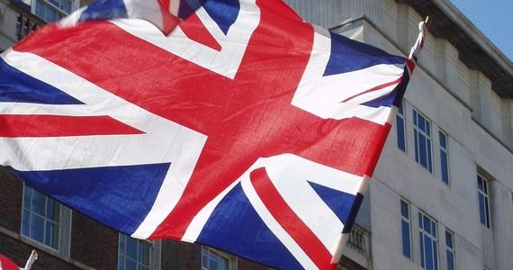 Federacja skupiająca brytyjskie firmy średniej wielkości apeluje do rządu o utrzymanie po Brexicie napływu pracowników z Unii Europejskiej. Sporządzony na jej zlecenie raport wskazuje, że 1/5 jej członków polega na sile roboczej z Europy.