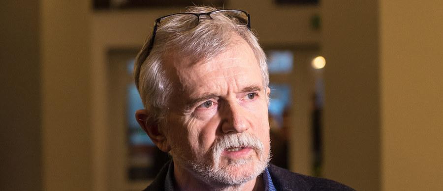 Zarząd województwa dolnośląskiego wydał decyzję o odwołaniu Cezarego Morawskiego ze stanowiska dyrektora Teatru Polskiego we Wrocławiu. Została ona jednak wstrzymana przez wojewodę