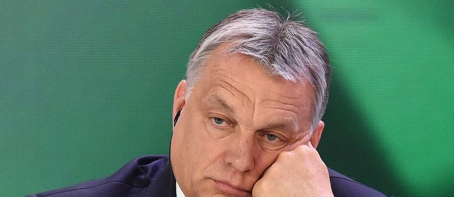 Komisja Europejska poinformowała, że wszczęła procedurę o naruszenie prawa UE przez Węgry w związku z wprowadzeniem w tym miesiącu przez ten kraj prawa ograniczającego działalność uczelni wyższych.