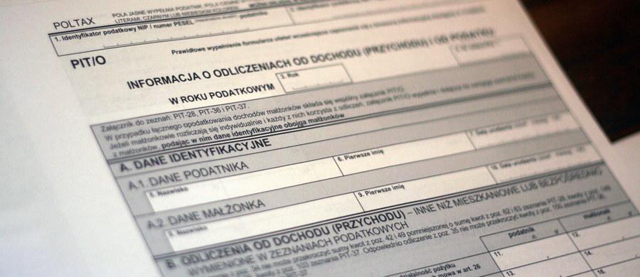 Nie wiesz, jak wypełnić zeznanie podatkowe PIT? Masz problem z rozliczeniem ulgi? Poszukujesz pomocy eksperta? Zadzwoń do RMF FM!