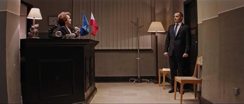 """""""Jego pozycja w 'Uchu Prezesa' bliska realiom - siedzi i czeka pod drzwiami"""" - powiedział w Porannej rozmowie w RMF FM Paweł Kukiz o prezydencie Andrzeju Dudzie."""
