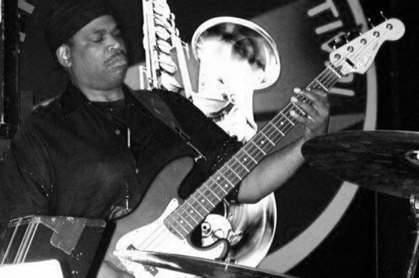 W wieku 59 lat zmarł Kerry Turman. Kilka godzin wcześniej występował na scenie z soulową grupą The Temptations.