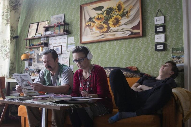 """W ostatni weekend kwietnia ekipa filmu """"Fanatyk"""" w reżyserii Michała Tylki wyruszy na zdjęcia do Szwecji. Ta krótka fabuła zdążyła obrosnąć legendą zanim w ogóle powstała, w dużej mierze dzięki paście """"Mój stary jest fanatykiem wędkarstwa"""", czyli krótkiemu żartobliwemu tekstowi na temat wędkarzy, który stał się kanwą scenariusza. Autor pasty Malcom XD i reżyser Michał Tylka połączyli siły i wspólnie napisali scenariusz 30 minutowej fabuły, która będzie miała premierę jesienią 2017 roku."""