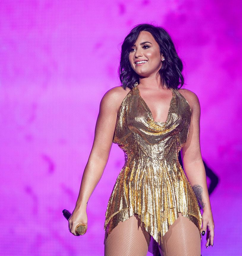 Po serii zdjęć, jakie Demi Lovato opublikowała na swoim Instagramie, jej fani zaczęli zastanawiać się, czy wokalistka nie powiększyła piersi.