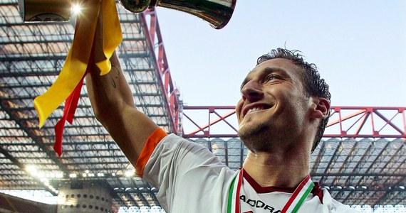 Rzymski klub ogłosił, że mecz z Genoą będzie ostatnim spotkaniem dla  Francesco Tottiego w barwach AS Roma. To koniec pewnej piłkarskiej epoki.
