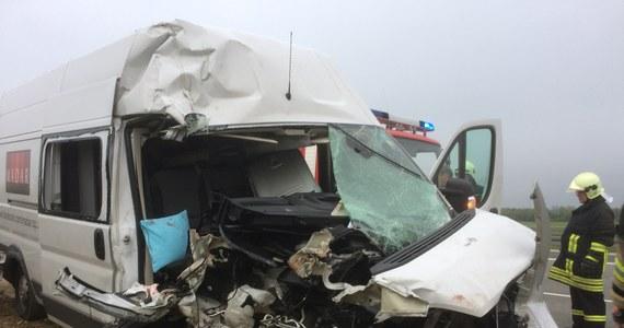 Siedem osób zostało rannych w wypadku polskiego busa w Niemczech. Na autostradzie A9 w pobliżu Lipska pojazd zderzył się z ciężarówką.