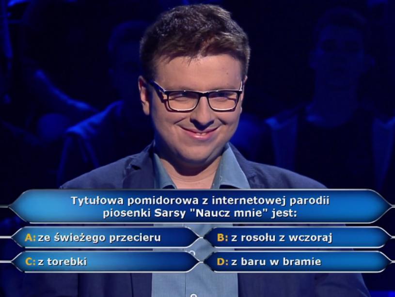 """Dzięki podpowiedzi publiczności Łukasz Nowosad w """"Milionerach"""" wygrał 5 tys. zł, jednak ostatecznie udział w programie skończył dość szybko."""