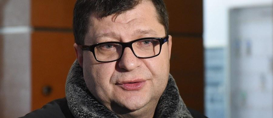 Biznesmen Zbigniew Stonoga został aresztowany; ma do odsiedzenia prawie rok więzienia za oszustwo - poinformował adwokat Stonogi. Jego klient chciał odbyć karę w systemie dozoru elektronicznego.