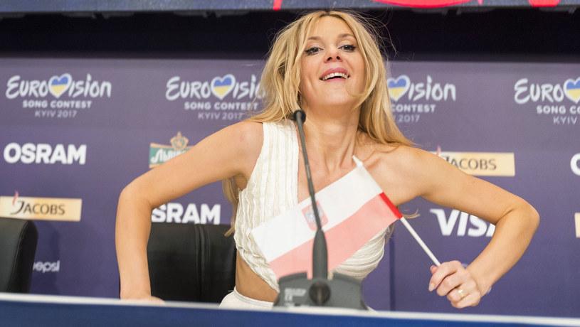 """Kasia Moś z piosenką """"Flashlight"""" awansowała do finału tegorocznej Eurowizji. Wokalistka nie kryła swojego zaskoczenia wynikiem, ale przyznała, że jest dumna z siebie i swojej ekipy. W trakcie konferencji prasowej padły natomiast mocne słowa na temat praw zwierząt w Polsce."""