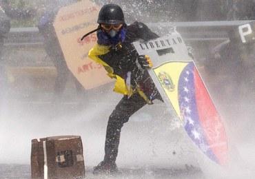 Gwałtowne protesty w stolicy Wenezueli. Zginął 27-latek, ponad 80 rannych