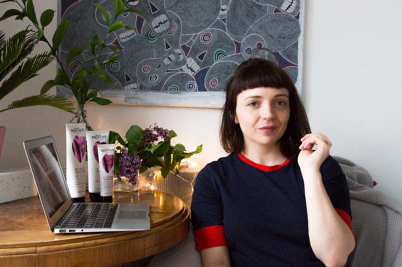 Zapytaliśmy Agatę Herbut - autorkę bloga agatamanosa.blogspot.com o to, jak dba o swoje farbowane włosy, czego by im nigdy nie zrobiła oraz jak wybrać dobrego fryzjera. Zobaczcie, co odpowiedziała.