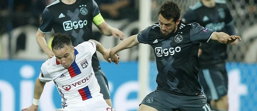Piłkarze Manchesteru United i Ajaksu Amsterdam awansowali do finału Ligi Europejskiej. Angielski zespół wyeliminował Celtę Vigo, a holenderski - mimo wyjazdowej porażki w rewanżu 1:3 - okazał się lepszy w dwumeczu od Olympique Lyon Macieja Rybusa. Polak grał od 75. minuty.